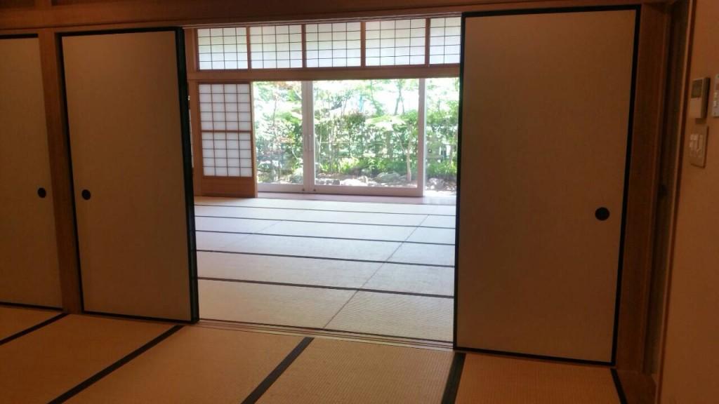 【茶道部等で使う和室:作法の勉強もここでします】